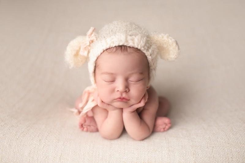 pose-ranita-fotografia-newborn